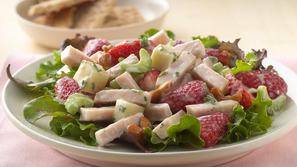 Smoked Turkey Salad with Strawberrie