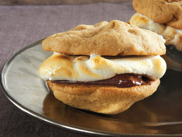 Cinnamon-Pecan Cookie Smores