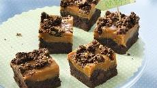 Gooey Caramel-Chocolate Bars Recipe