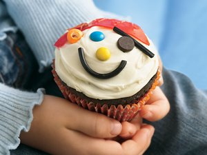 Pirate's Hidden Treasure Cupcakes