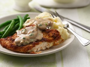 Chicken&#32;Breasts&#32;with&#32;Creamy&#32;Mushroom&#32;Gravy
