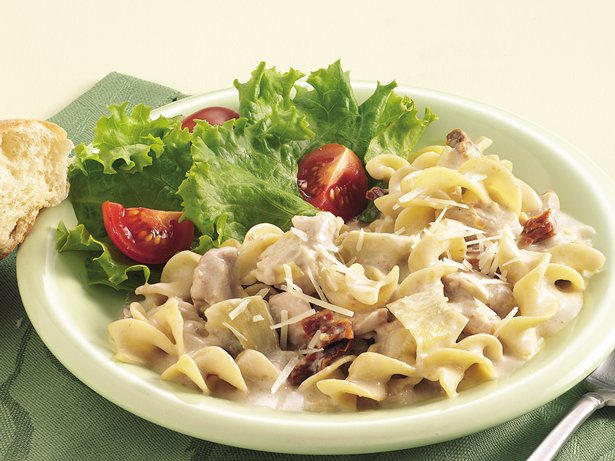 Slow Cooker Chicken and Noodles Alfredo