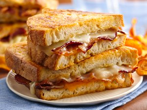 Beer&#32;Battered&#32;Grilled&#32;Cheese&#32;Sandwiches&#32;