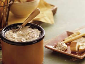 Slow&#32;Cooker&#32;Smoky&#32;Bacon&#32;and&#32;Horseradish&#32;Dip