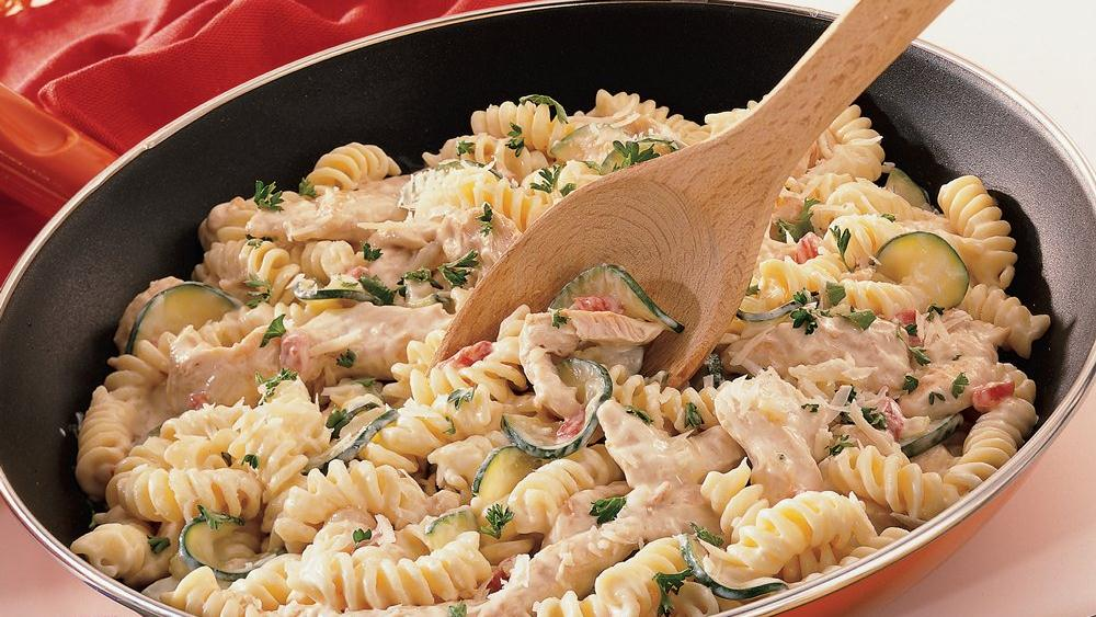 Chicken Alfredo Skillet recipe from Pillsbury.com
