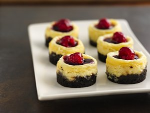 Mini&#32;White&#32;Chocolate&#32;Cheesecakes