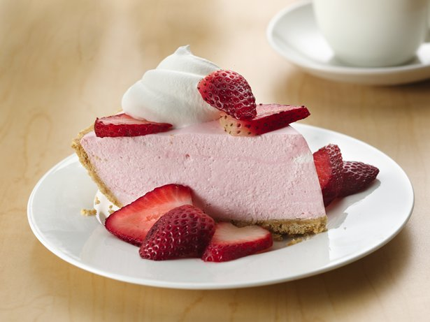 No Bake Creamy Strawberrry Pie