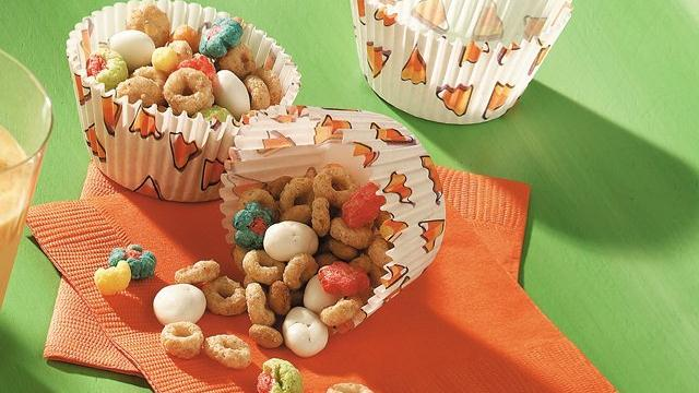 Image of Autumn Snack Mix, Pillsbury
