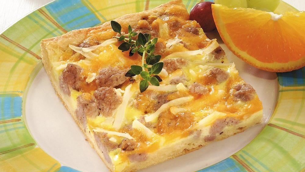 Sausage-Tater Crescent Pizza