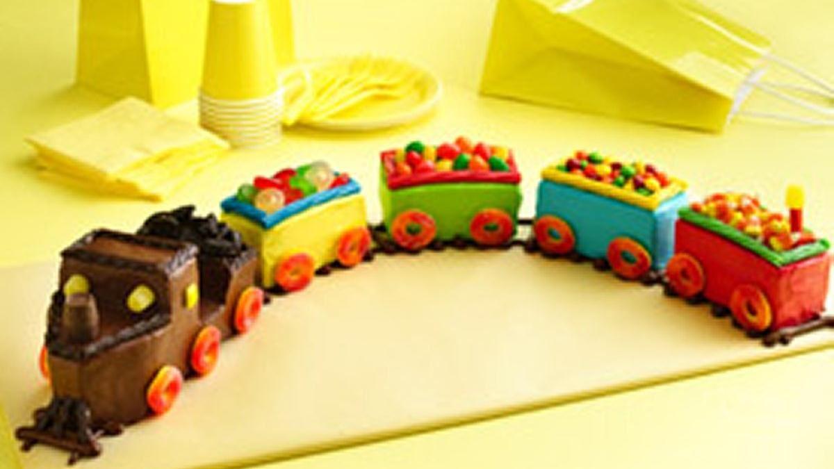 Gateaux d'anniversaire en forme de train