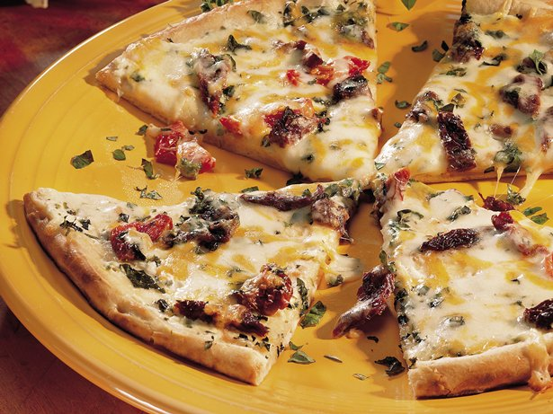Sun-Dried Tomato and Herb Pizza