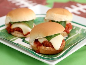 Mamma&#8217;s&#32;Meatball&#32;Parmesan&#32;Sliders