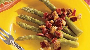 Asparagus with Sweet Pepper-Walnut Sauce