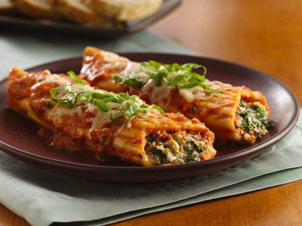 Spinach-Stuffed Manicotti with Vodka Blush Sauce