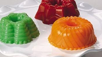 Creamy Strawberry Gelatin Mini Molds
