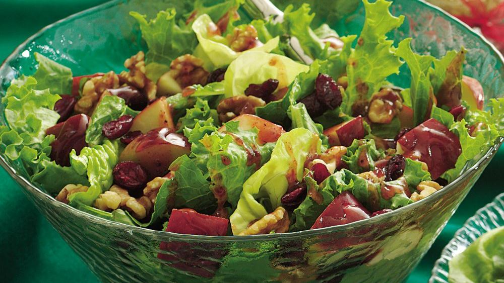 Red and Green Tossed Salad