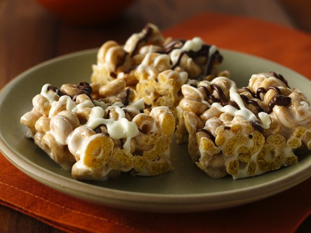 Cinnamon Burst Cheerios Marshmallow Bars