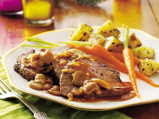 Peppered Beef Tenderloin with Mushroom Sauce