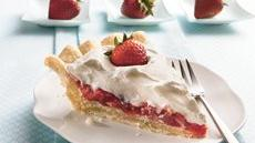 Stuffed-Crust Strawberry Cream Pie Recipe