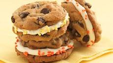 Frosting-Filled Cookie Sandwiches Recipe