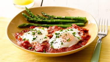 Poached Eggs with Tomato Sauce and Asparagus