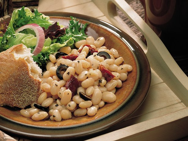 Slow Cooker White Beans with Sun-Dried Tomatoes