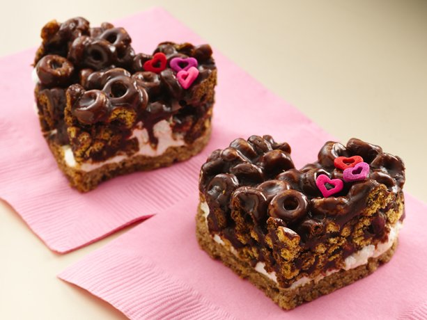 Chocolate Cheerios® Marshmallow Hearts