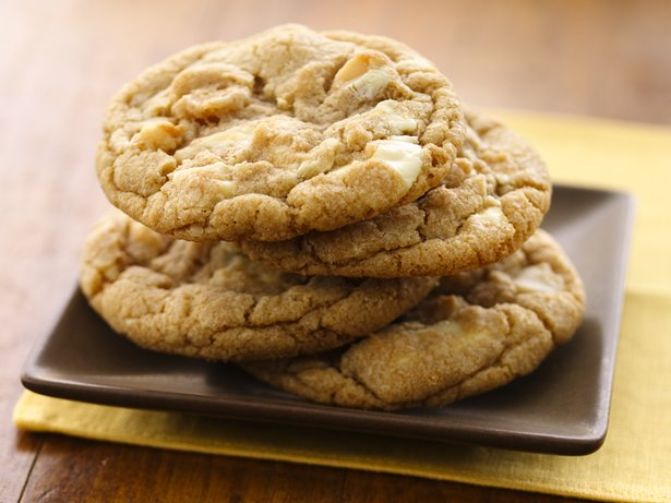 Outrageous White Chocolate Macadamia Cookies (White Whole Wheat Flour)