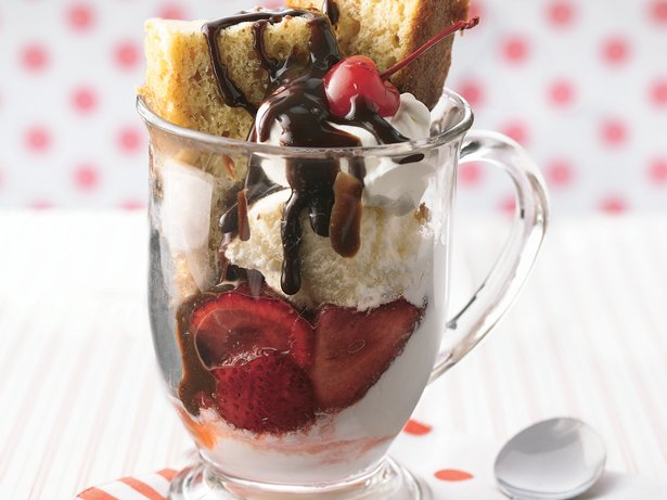 Banana Split Cake Dessert
