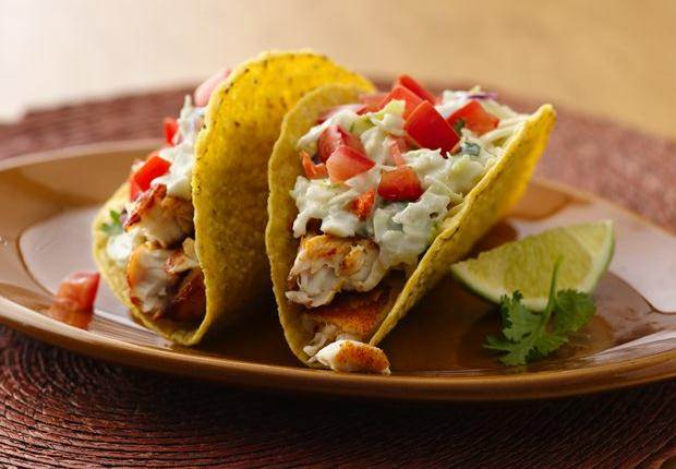 Spicy fish tacos with fresh lime sauce for Fish taco recipe sauce