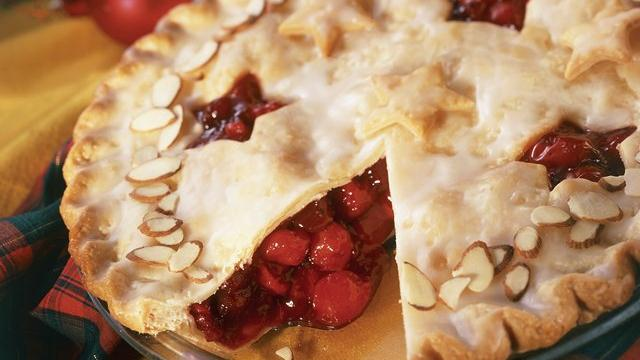 Frosted Cranberry-Cherry Pie