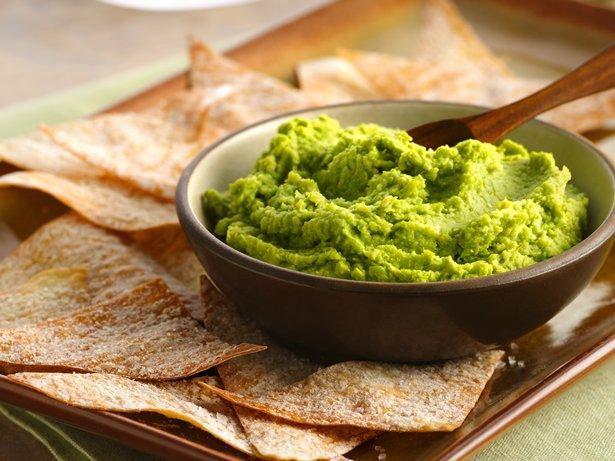 Pea-Wasabi Hummus with Wonton Chips