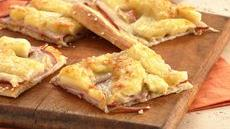 Canadian Bacon-Apple Pizza Recipe