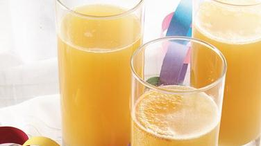 Bubbly Apple-Orange Refresher