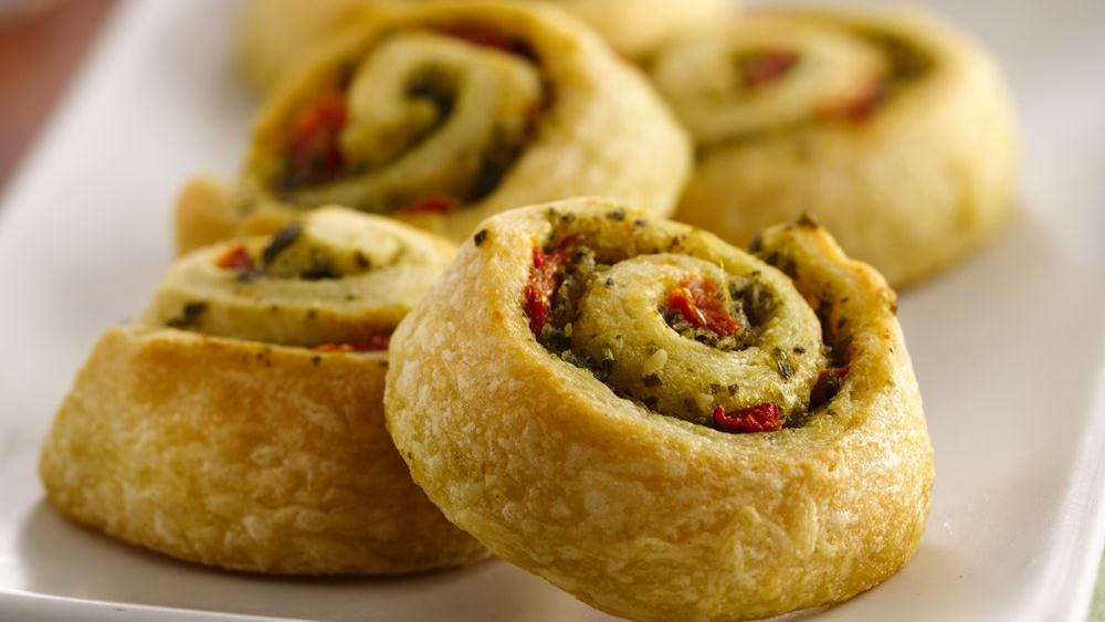 Easy Pesto Pinwheels