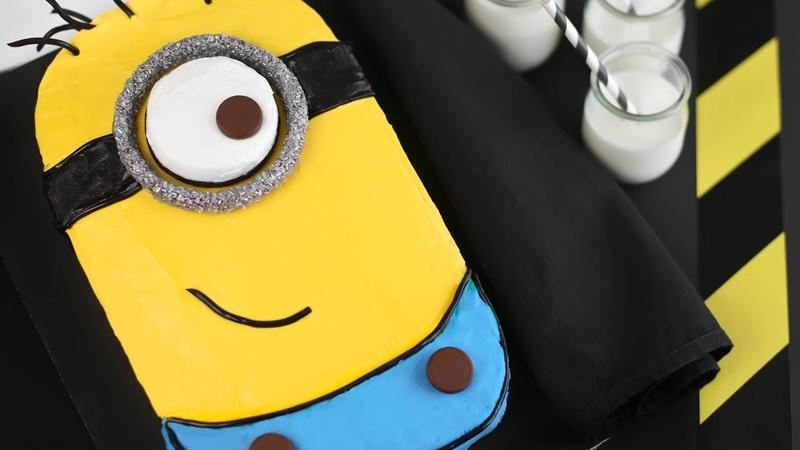 Despicable Me 2 Minion Cake Tuesday, June 25, 33 comments Recently, my friends at Betty Crocker asked if I'd like to create a minion cake to celebrate the newly released movie Despicable Me 2.