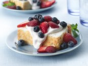 Strawberry-Cream Angel Food Cake