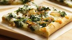 Spinach and Caramelized Onion Pizza Recipe
