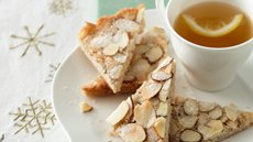 Scandinavian Almond Bars Recipe