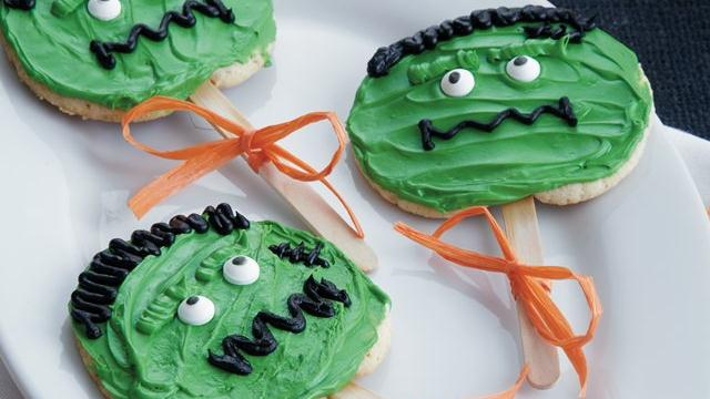 Frankenstein Cookie Pops