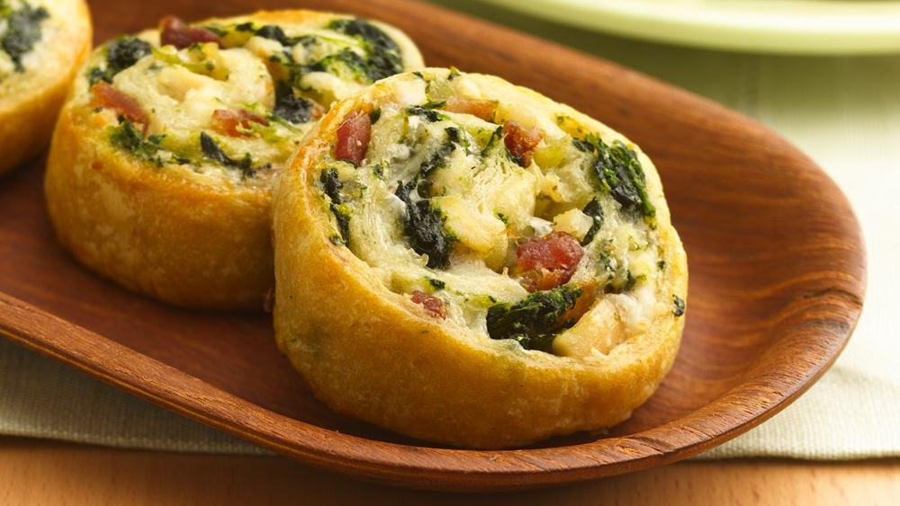 Cheesy Chicken 'n Spinach Pinwheels