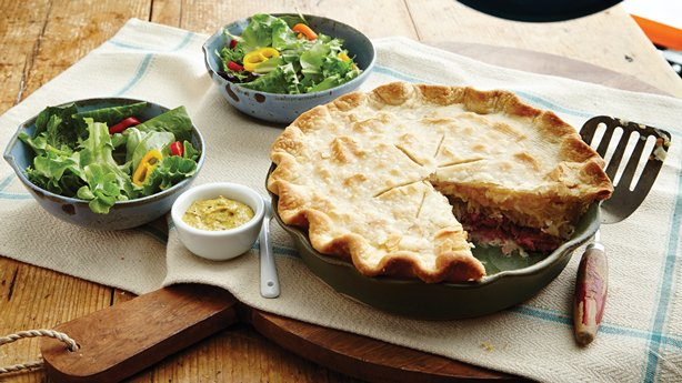 Corned Beef and Swiss Pie