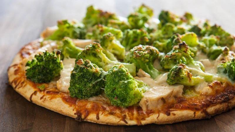 Cheesy Chicken and Broccoli Pizza