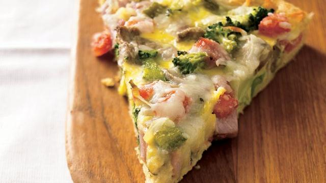 Ham 'n Eggs Crescent Brunch Pizza