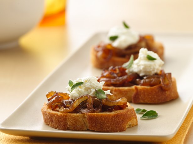 Caramelized Onion and Goat Cheese Crostini