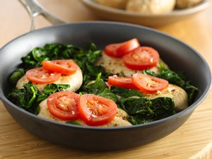 Easy&#32;Chicken&#32;with&#32;Tomatoes&#32;and&#32;Spinach