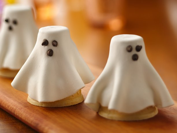 ghost cake and mini cupcakes recipes chocolate marshmallow ghost cake ...
