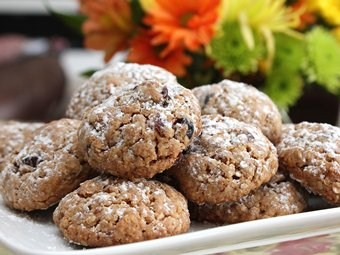 Cardamom-Cranberry Oatmeal Cookies