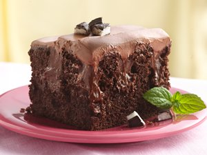 Chocolate-Peppermint&#32;Poke&#32;Cake