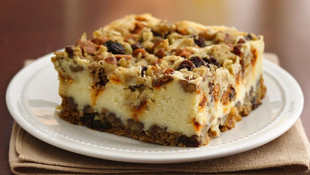 Oatmeal Raisin Cheesecake Crumble